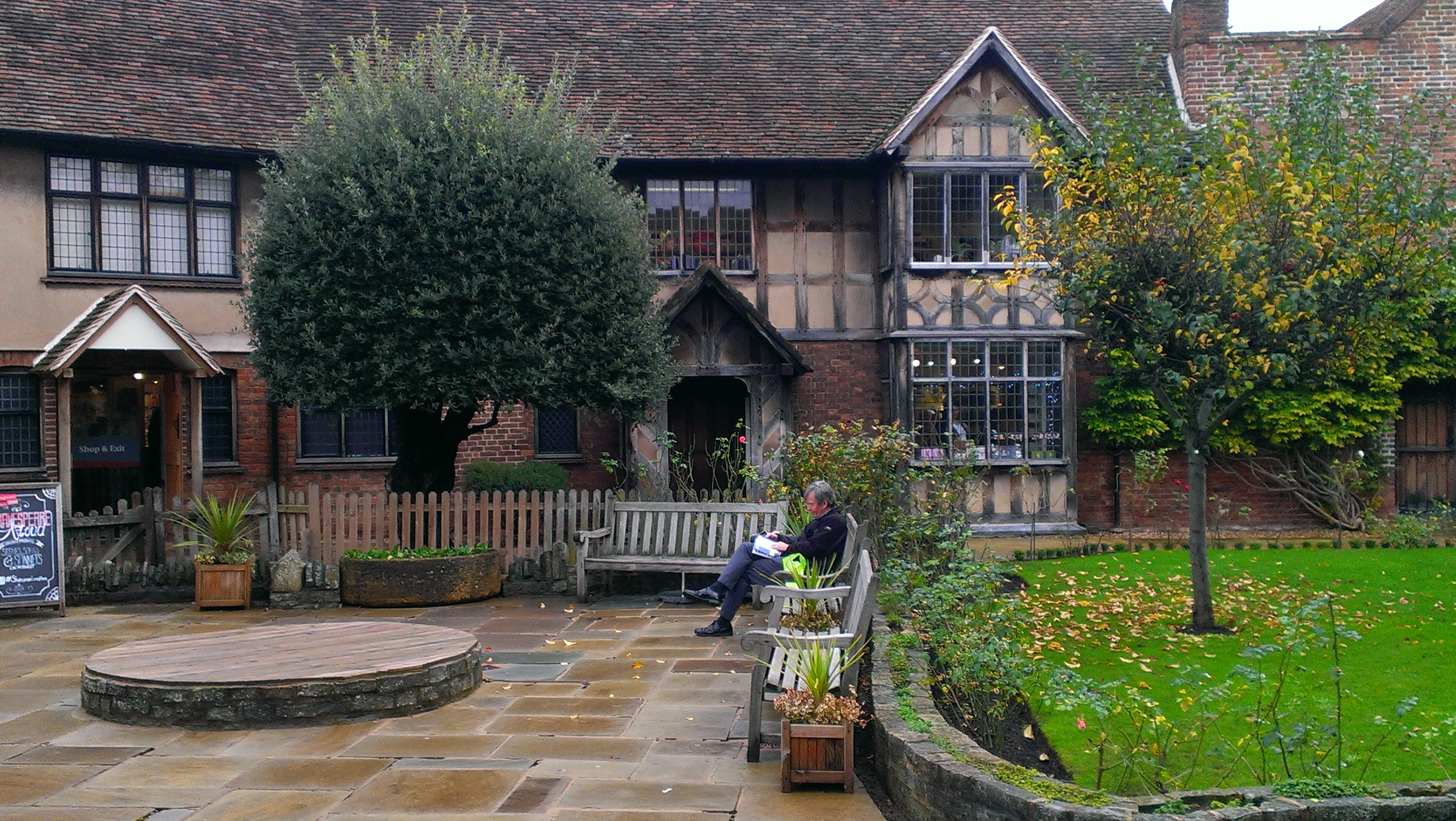 Hobbit 2 stratford upon avon
